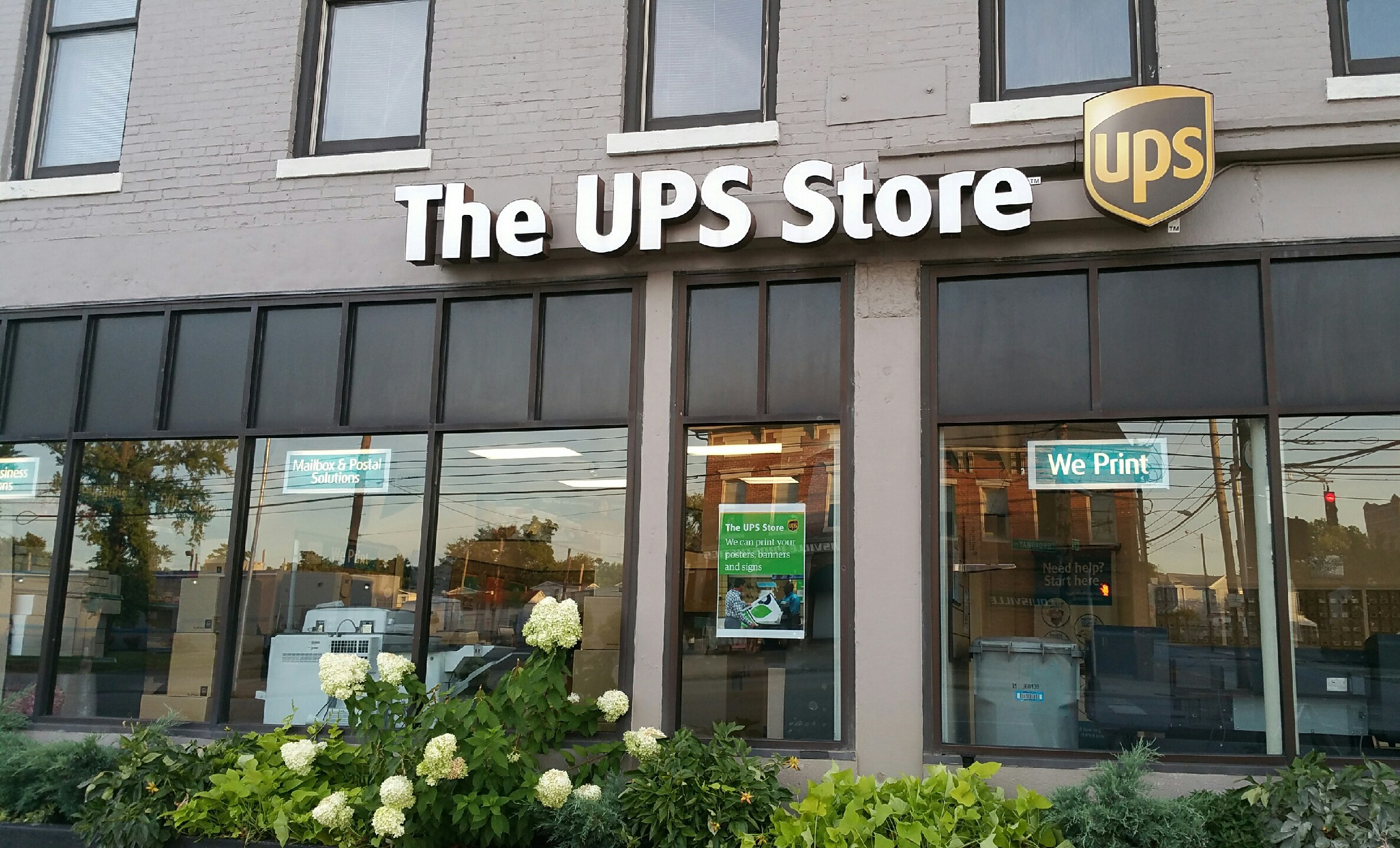 UPS - United Parcel Service in Rochester, New York: complete list of store locations, hours, holiday hours, phone numbers, and services. Find UPS - United Parcel Service location near you. UPS - United Parcel Service Locations & Hours in Rochester, New York.